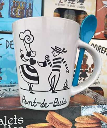 creperie fontaine pont buis mug
